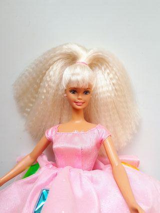 Muñeca barbie twirlin make up.