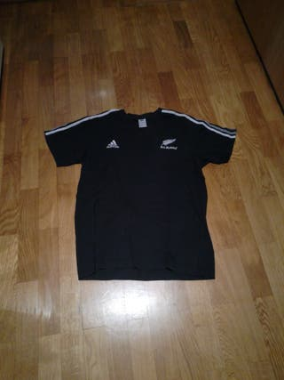 camiseta all blaks adidas.talla L.