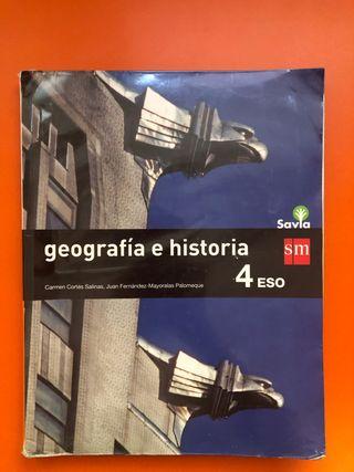 Libro de Geografía e historia SM