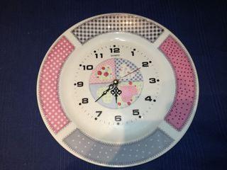 Reloj de cocina de cerámica.