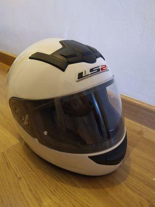 Casco de moto blanco