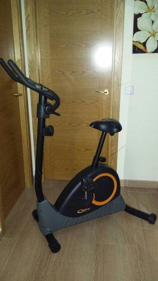 Bicicleta estática. Cup's X-Power (Decathlon).