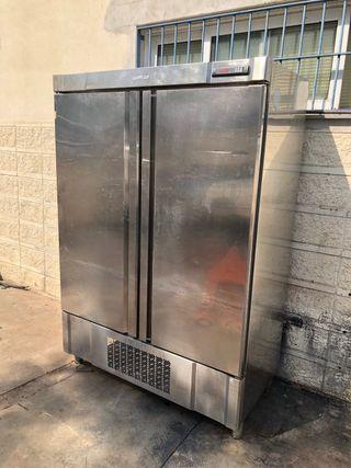 Armario frigorífico vertical inox Infrico