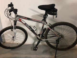 Bicicleta Montain Bike BH SPIKE. Grupo Shimano.
