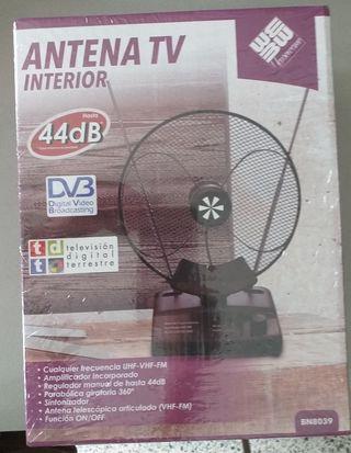 Antena TV DVB-T con amplificador para interiores