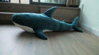 Tiburon peluche Ikea