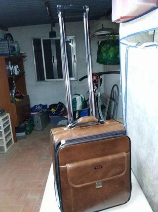maletín con ruedas
