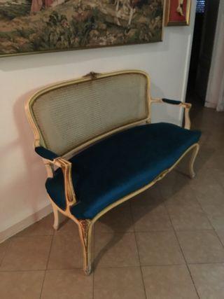 Butacas y sofa para recibidor con mesa de marmol