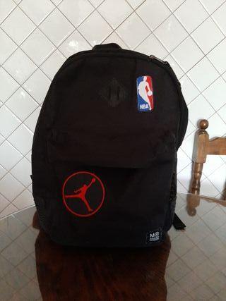 Mochila TriplePro Miquelrius NBA Jordan ergonómica