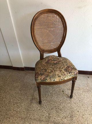 Seis sillas de comedor estilo Luis XVI