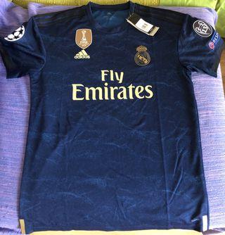 922a00595 Equipación Real Madrid de segunda mano en Barcelona en WALLAPOP