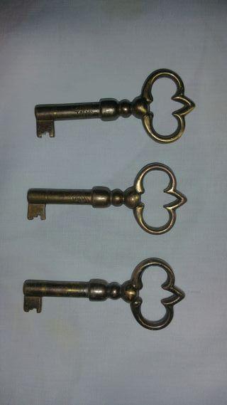 llaves de metal