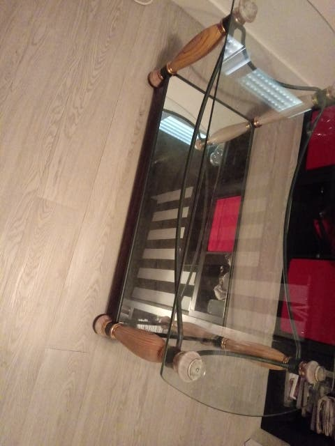 mesa pequeña de salon