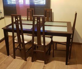 mesa de comedor con 5 sillas