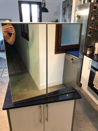 Mueble estantería con espejo