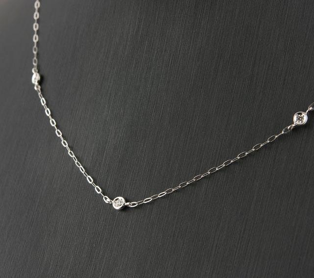 Collar de Diamantes Brillante y Oro Blanco de Ley