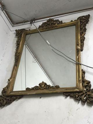 Bonito espejo grande marco dorado .