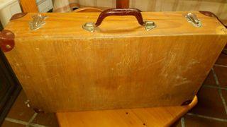 maletin madera antiguo carpintero con herramientas