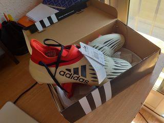 Botas de fútbol gama media-alta