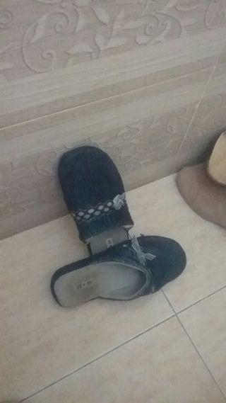 zapatos para casa y calle de mujer y hombres