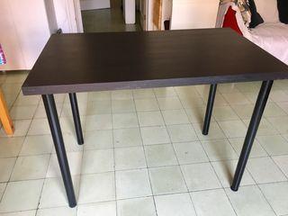 Mesa escritorio negro marrón Ikea Linnmon