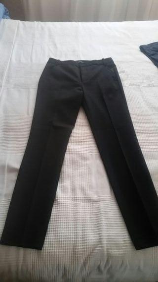 Pantalón negro de Zara , temporada 2019 de segunda mano por