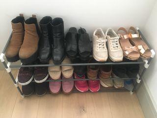Metal shoemaker with 3 shelves