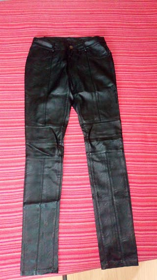 02884f410b En Segunda Pitillo Wallapop Fuenlabrada Mano Pantalones De 7vfYyb6g
