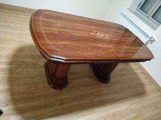 Mesa de época con sillas para comedor/salón