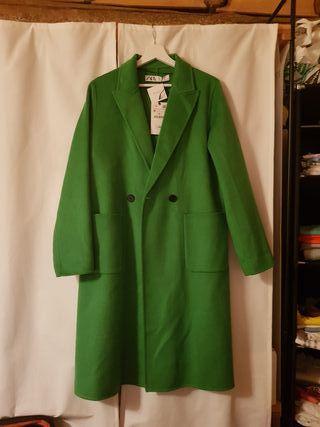 ZARA - Abrigo verde lana - Talla M