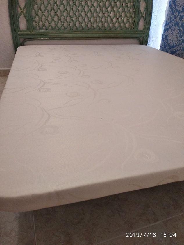 Marco de cama con 4 pies en 140 cm