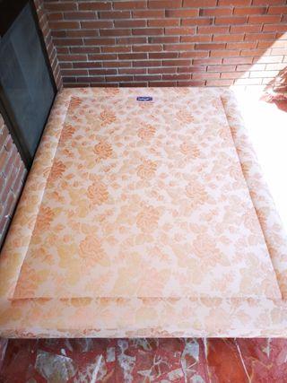 Base tapizada cama 1.35