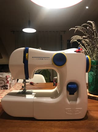 Maquina coser nueva