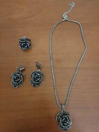 Set collar, pendientes y anillo rosas de acero