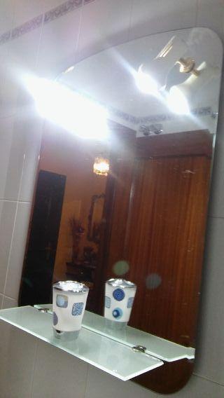 Espejo cuarto de baño y accesorios