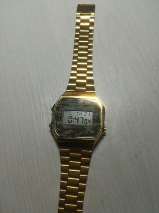 db2da4472 Reloj Casio dorado de segunda mano en WALLAPOP
