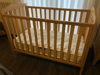 Cuna madera Mothercare + colchón Flex de regalo