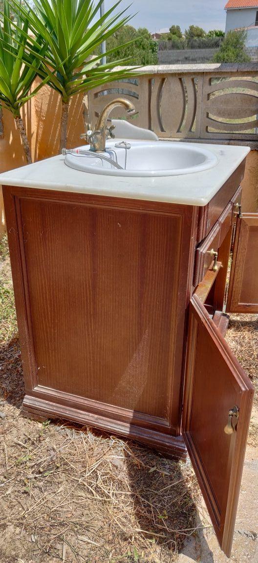 Lavabo y mueble de baño