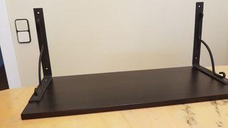 estanteria de madera. medidas 59 x 24 centimetros