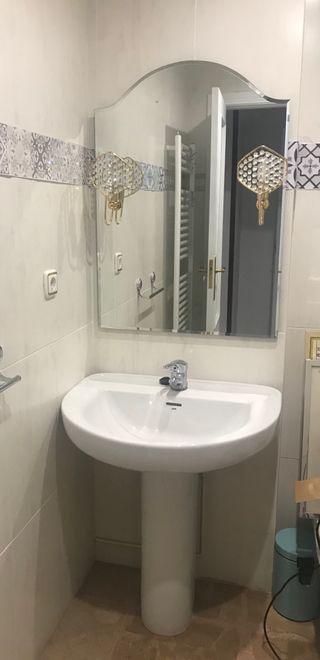 Lavabo + grifo + espejo con apliques + bidet