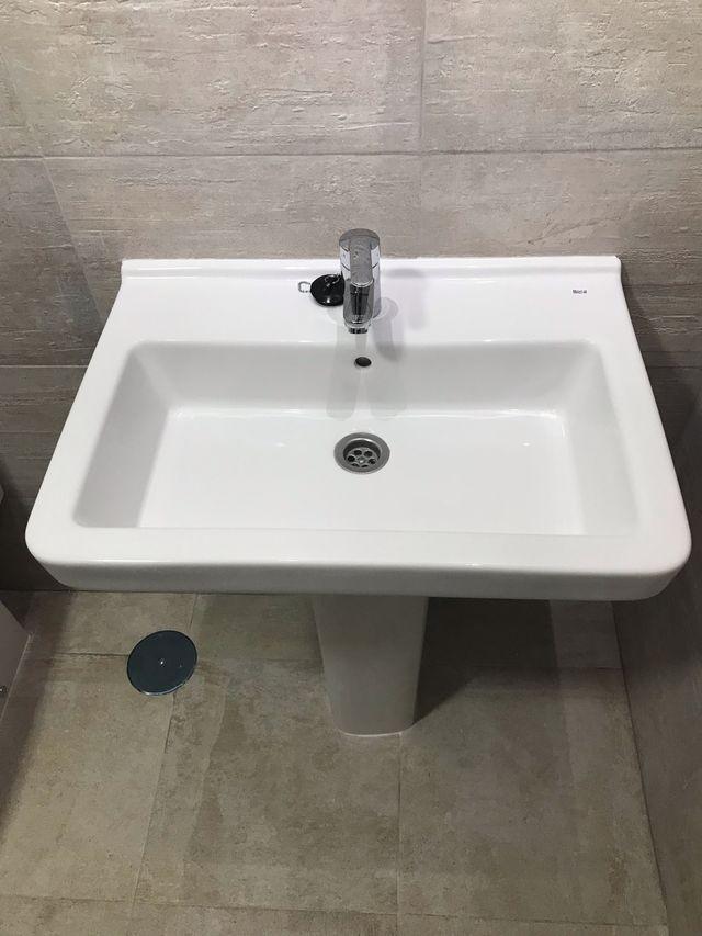 Lavabo y pedestal ROCA nuevo