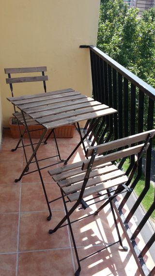 Mesa para terraza madera de segunda mano en Zaragoza en WALLAPOP