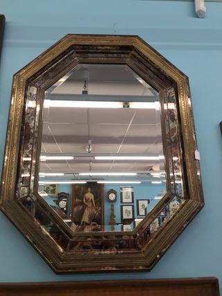 Espejo tipo veneciano