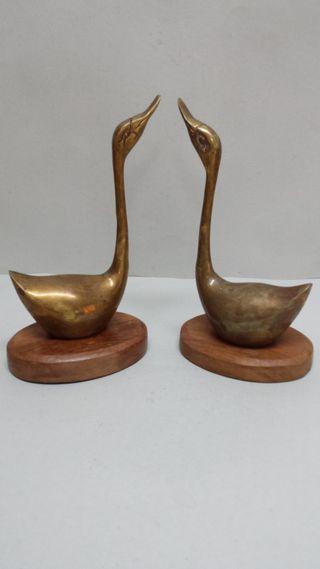 Cisnes de Bronce pareja con Base Antiguo