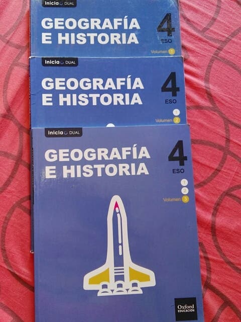 TRES LIBROS GEOGRAFÍA E HISTORIA 4 ESO