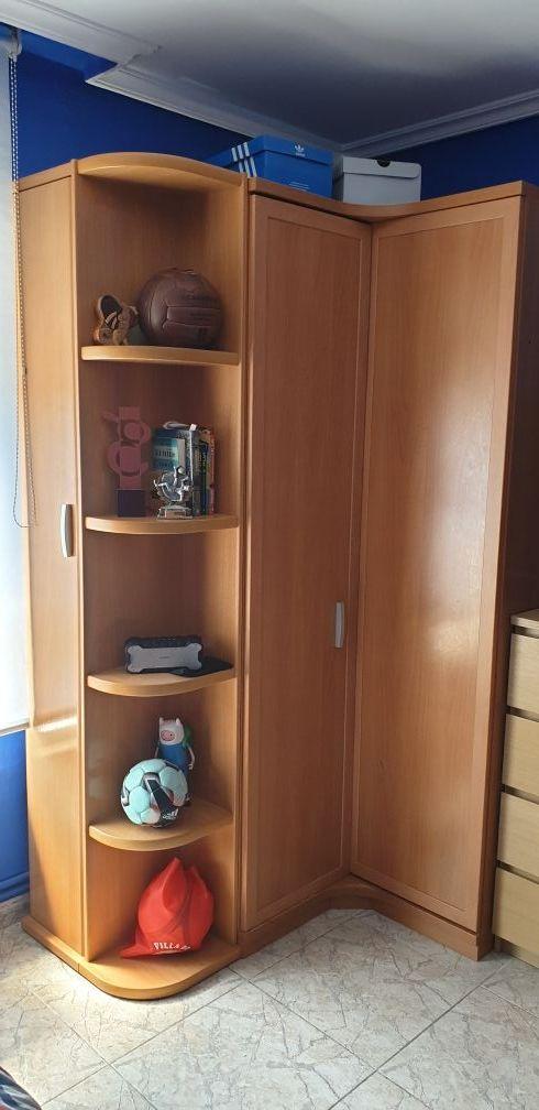 Vendo Armario Esquina De Habitacion Con Zapatero De Segunda Mano Por