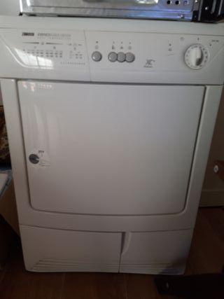¡¡¡Oferta del día!!! Secadora Zanussu Dryer
