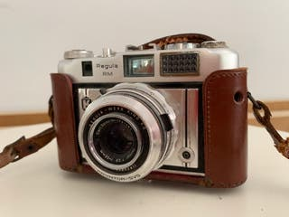 Cámara de fotos Regula Vintage con funda de piel