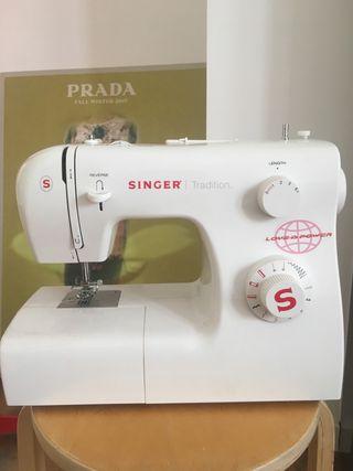Maquina de coser mecánica