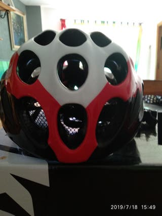 casco catlike modelo tako 58-62 cm